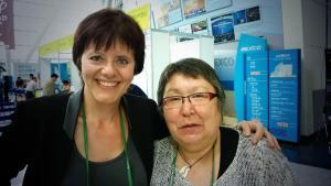 Biskop Sofie Petersen (t.h.) sammen med Kirsten Auken. Begge er medlemmer af KV's nye Centralkomité.