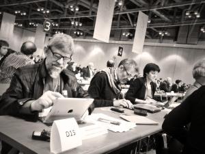 Folkekirkelig delegation i Busan. På billedet:  Biskop Peter Fischer-Møller, Jørgen Skov Sørensen (sekretariatschef, Folkekirkens mellemkirkelige Råd) og Kirsten Auken (Folkekirkens Nødhjælp).