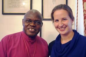 Mødets vært John Sentamu, ærkebiskop af York, sammen med Maria Munkholt Christensen